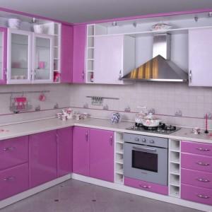 Кухонный гарнитур сиреневого цвета