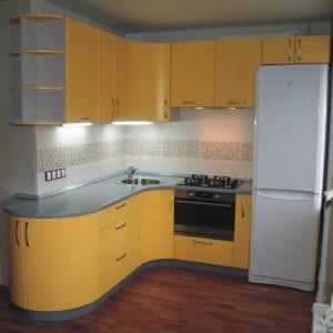 Угловой кухонный гарнитур для небольшой кухни