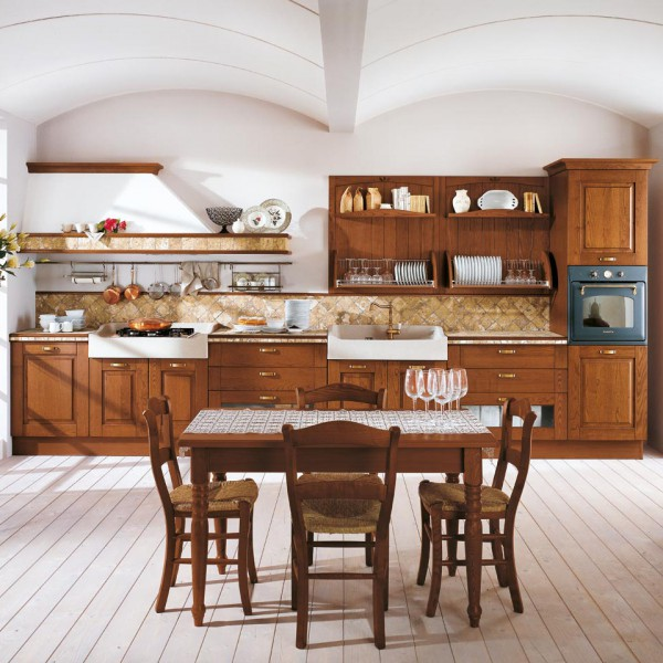 Кухонный гарнитур в большой по размеру кухне