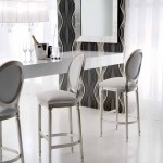 Барные стулья в интерьере гостиной