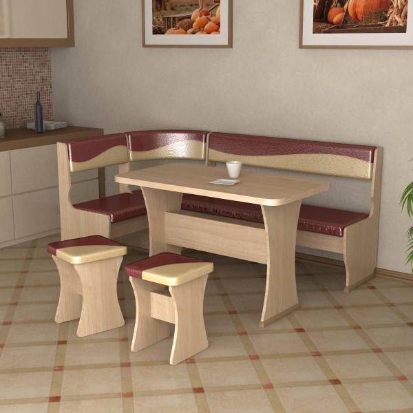 Кухонный уголок со столом и табуретками