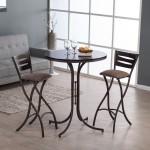 Складной барный стул в интерьере гостиной