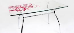 Столы обеденные стеклянные с рисунком: разновидности и методы нанесения