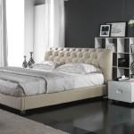 Красивая кожаная спальня