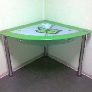 Обеденный угловой стол из стекла