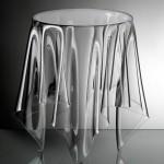 Стеклянный стол без ножек