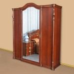 Красивый шкаф с большим зеркалом