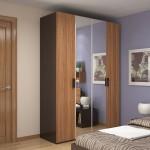 Шкаф для белья с зеркалами