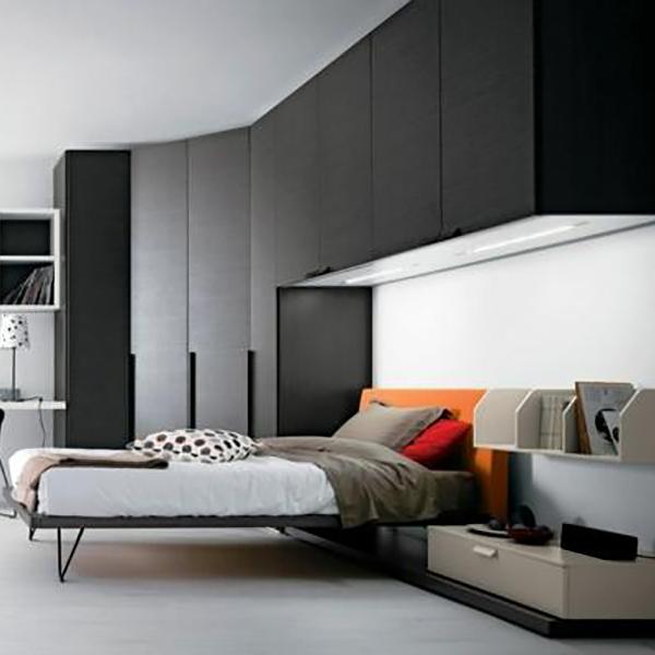 Большой навесной шкаф для спальни