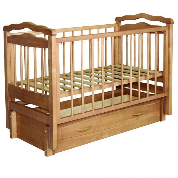 Детская кроватка с регулируемым днищем