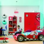 Детская комната с кроватью-машинкой