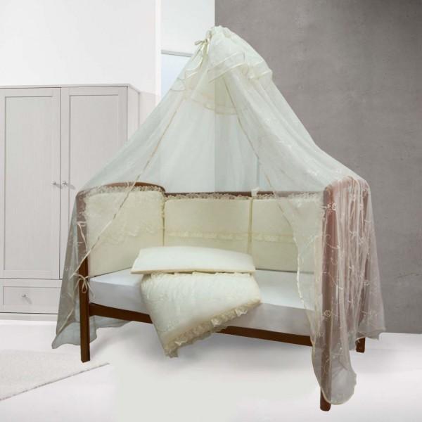 кроватка с опущенным бортом