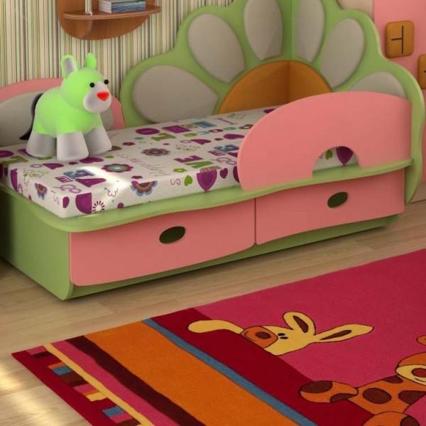 Кровать с бортиком для девочки