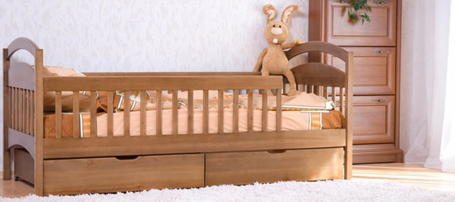 Детскую кровать от 3 лет с бортиком