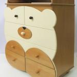 Стол-комод в детскую в форме медведя