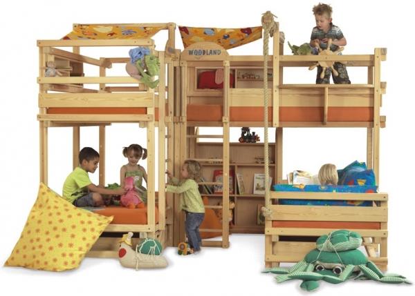 Многодетной семье подойдет такая кровать