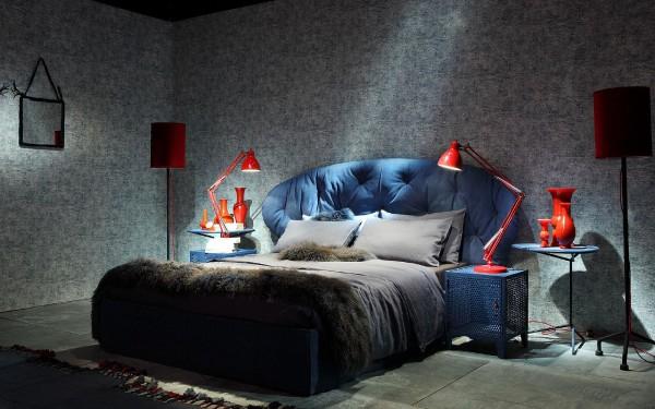 Фото новинки среди кроватей в спальню