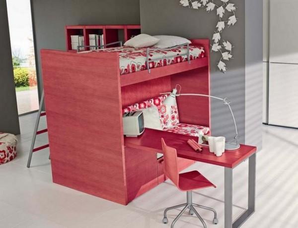 Кровать-чердак в розовом цвете
