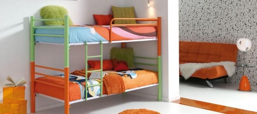 Металлические кровати на 2 ярусах для детской комнаты