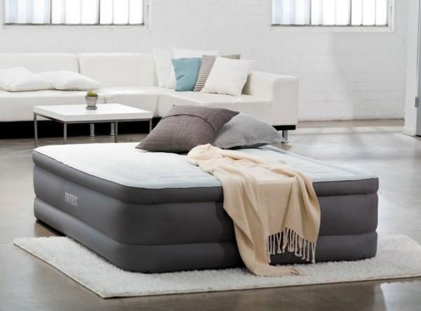 Надувная двуспальная кровать