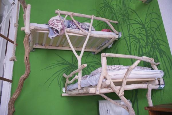 Оформление кроватей в стиле джунгли