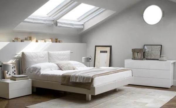 Стильная белая кровать в спальне