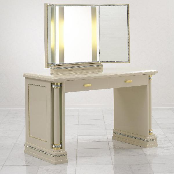 Столик с подсветкой с инкрустацией кристаллами