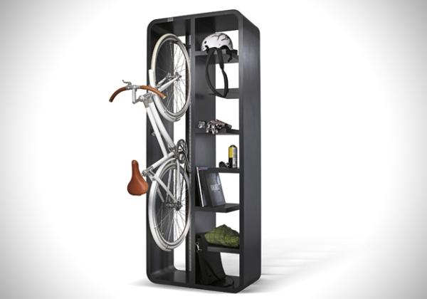 Экономия места в квартире при помощи держателя для велосипеда