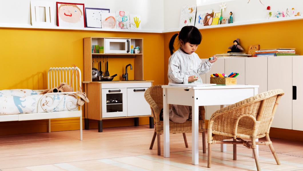 Детские столы Икеа - практично и удобно, недорого и долговечно