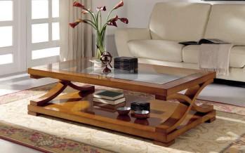 Фото деревянного журнального столика в интерьере гостиной