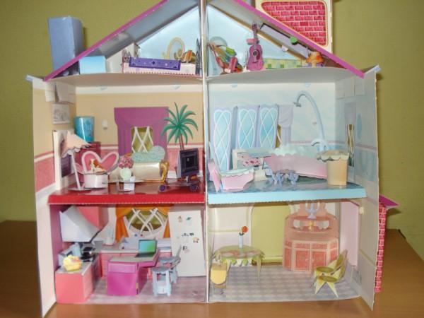 Фото кукольного домика, сделанного своими руками