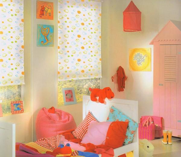 Фото рулонных штор в детской комнате