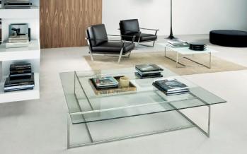 Современный стеклянный журнальный столик