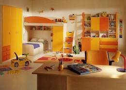 Деревянные, пластиковые и металлические детские стулья: безопасность, прочность и легкость