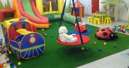 Детские игровые домики и матерчатые палатки — своя крепость для малыша