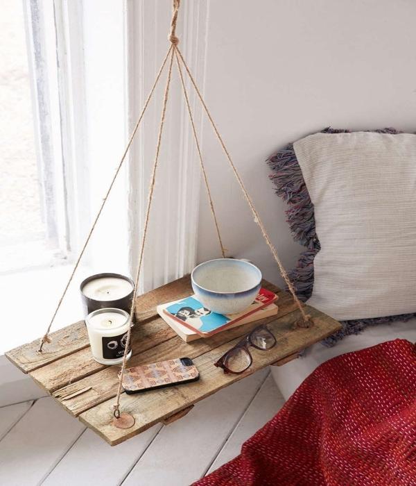 Дизайны висячих полок для спальни