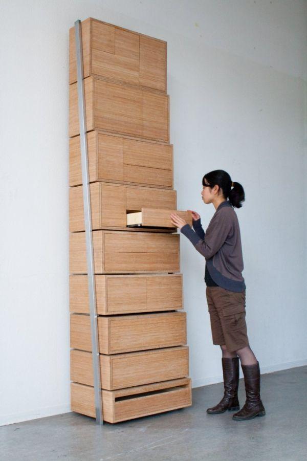 Шкаф в виде ступенек со множеством отделов
