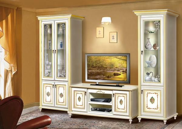 Белая тумба под телевизор в классическом стиле
