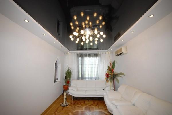 Фото люстры в зал на натяжной потолок