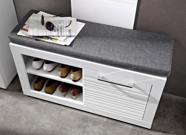 Фото узкой обувницы с сиденьем в прихожую