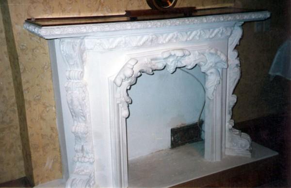 Полиуретановый портал для фальш-камина