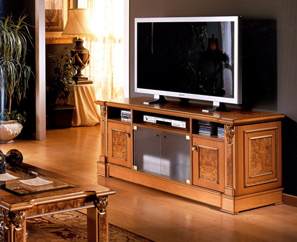 Тумбу под телевизор из ореха