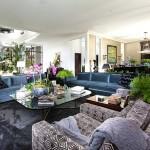 Вельветовый ковер и диван