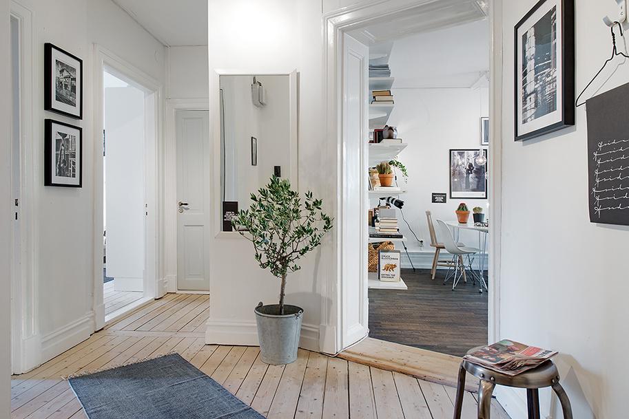 Оформление прихожей в квартире: скандинавский или английский стиль?