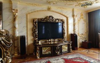 тумбы под телевизор в интерьере с яркими красочными фото