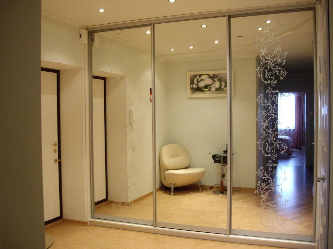 Зеркальные двери купе фото