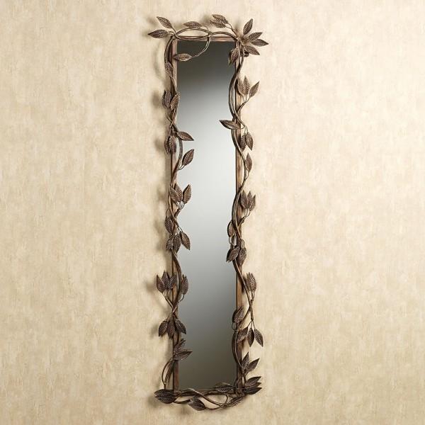 кованое зеркало в коридор
