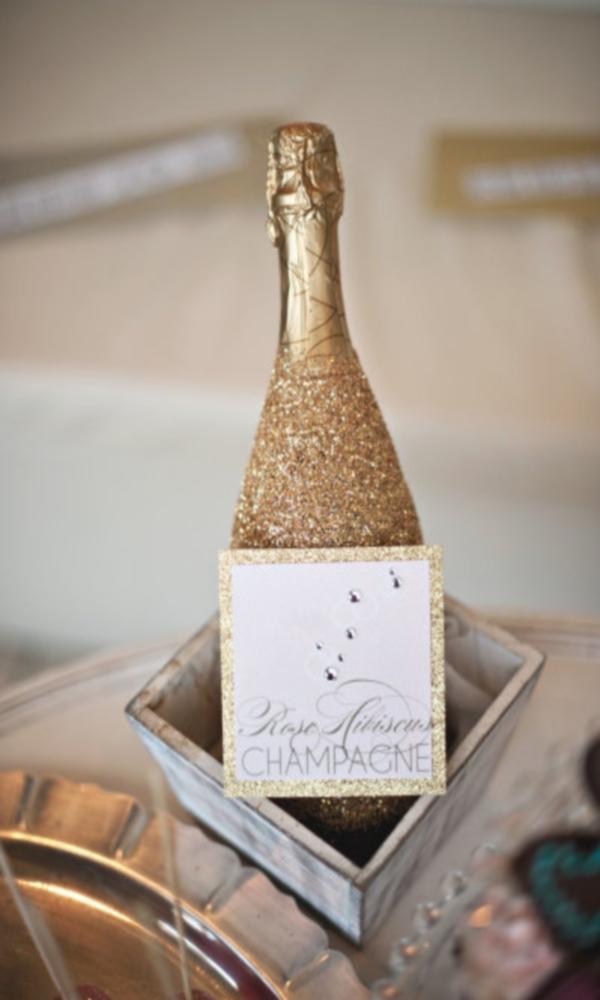 Офорлмление шампанского к Новому году