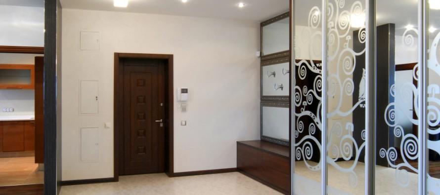 Дизайн шкафа-купе в коридоре