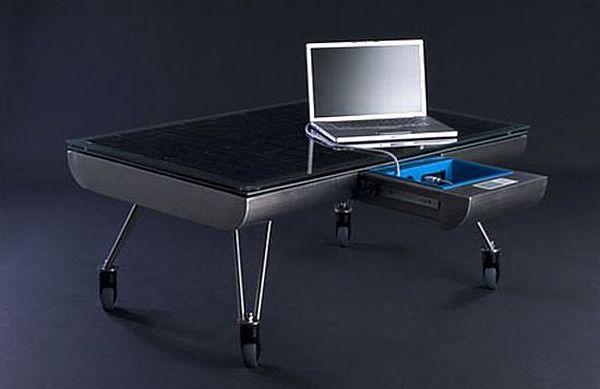 стол со встроенной солнечной панелью